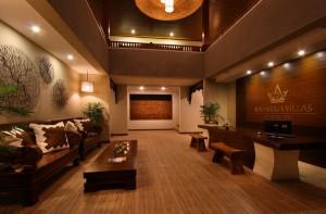 Bali-Maharaja-Seminyak-Villa-Lobby-Receptionist