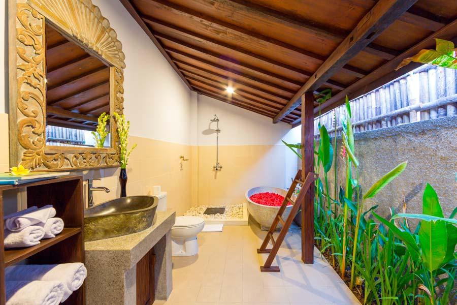 Anyar Sari Villa - Bathroom