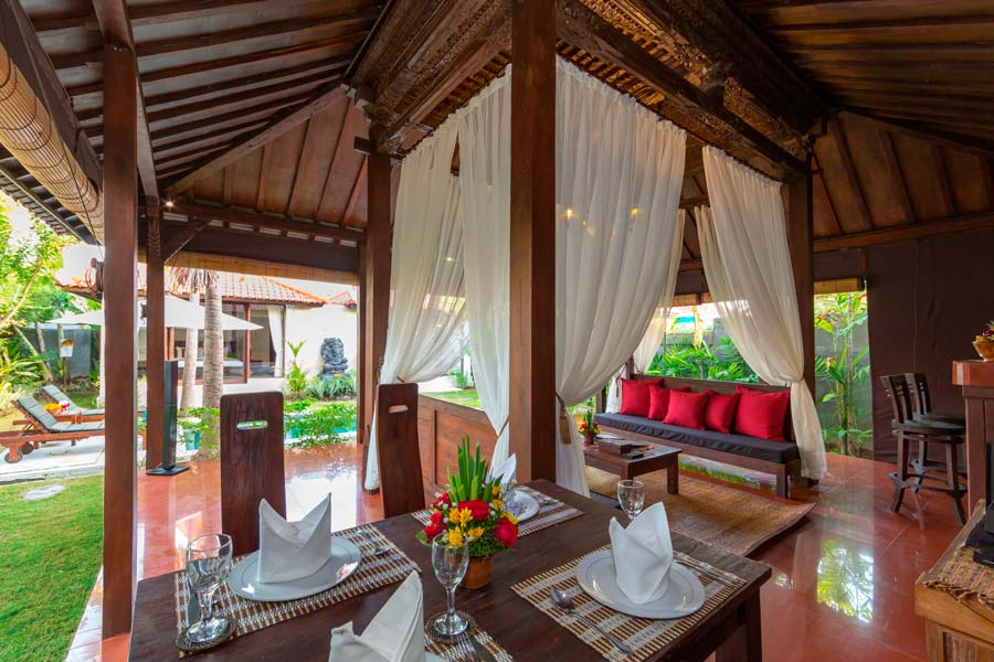 Anyar Sari Villa - Dining & Living Room
