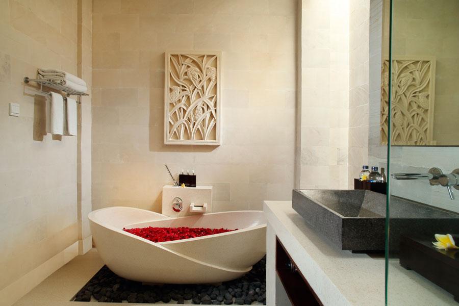 Bali Daluman Villa - Honeymoon Bathtub