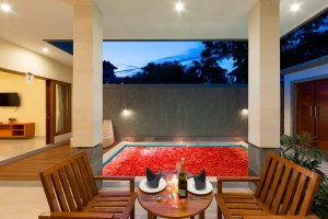 Mano-Villa-Dining-AreaHoneymoon