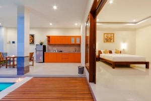 Mano-Villa-Honeymoon-Bedrom-Dining